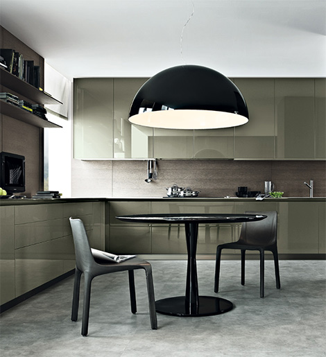 Liuxury-laquer-design-kitchen-with-modern-table-and-chairs
